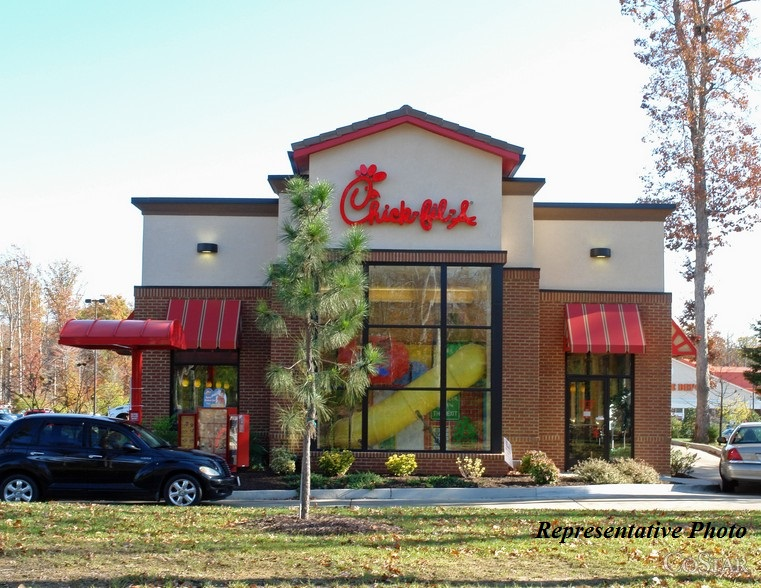 """Details: Chick-fil-A today launched their first breakfast bowl, the """"Hash Brown Scramble."""" The Hash Brown Scramble is a protein-packed breakfast option made with Chick-fil-A's signature """"tot"""" style Hash Browns, scrambled eggs, a Monterey Jack and cheddar cheese blend and a choice of sliced Chick-fil-A Nuggets or sausage."""